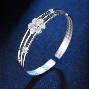 NEW Sterling Silver Flower Bracelet